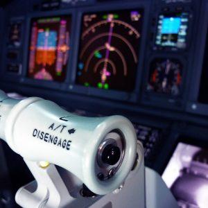 Flugsimulator Hamburg - Du bist der Pilot! Wir haben unseren neuen Flugsimulator direkt am Flughafen Hamburg für sie eröffnet.